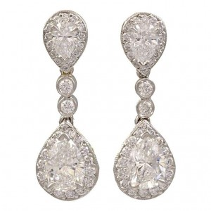 Drop Earrings Designed To Dangle Or Below Their Setting This Unique Feminine Style Gives The Wearer A Truly Regal Look